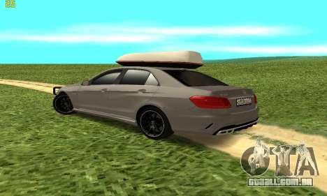 Mercedes Benz E63 AMG para GTA San Andreas vista direita