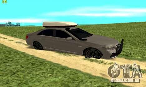 Mercedes Benz E63 AMG para GTA San Andreas esquerda vista