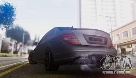 Mercedes-Benz C63 AMG w204 para GTA San Andreas vista direita