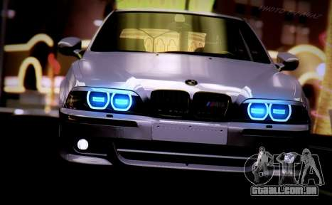 BMW M5 E39 (2017 re-styling) para GTA San Andreas vista direita