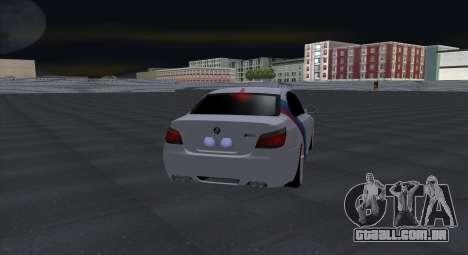 BMW M5 E60 SS (SmotraStyle) para GTA San Andreas vista traseira